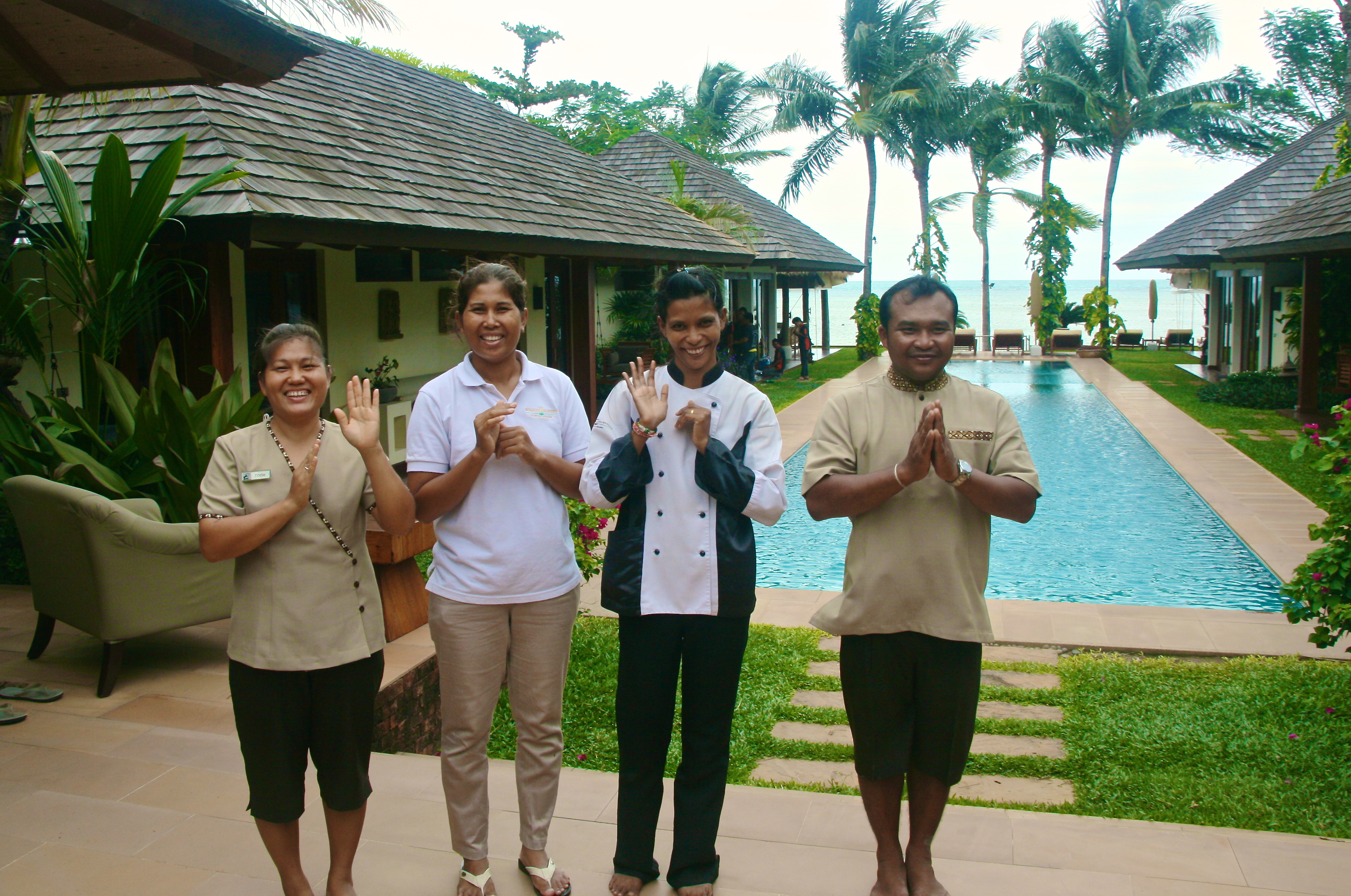 The lovely team at Baan Mika